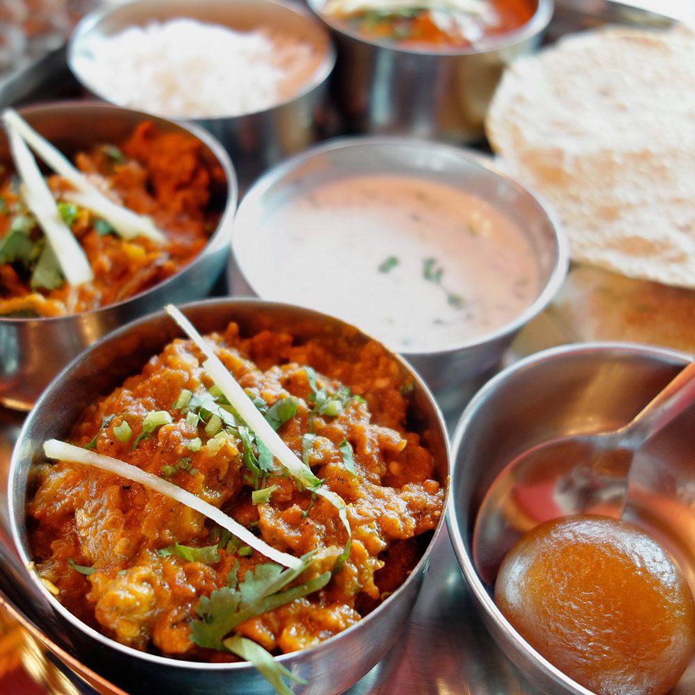 Smakujemy Indie 5 Potraw Ktore Warto Sprobowac W Indiach Blog Rainbow